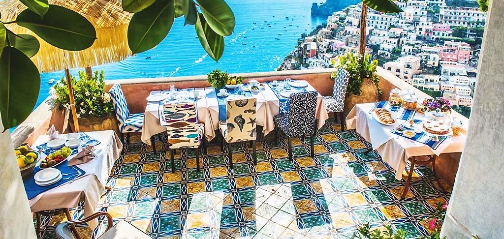 villa mieten in italien toskana amalfi k ste luxus villen. Black Bedroom Furniture Sets. Home Design Ideas